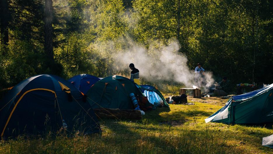 Горный Алтай. Туризм. Палатки.