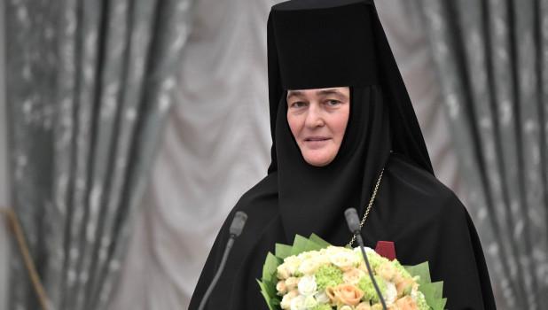 Настоятельница Покровского монастыря игуменья Феофания (Ольга Мискина).