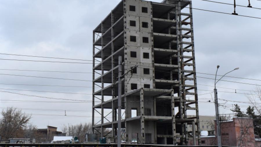 Недостроенное здание на Ленина, 122б