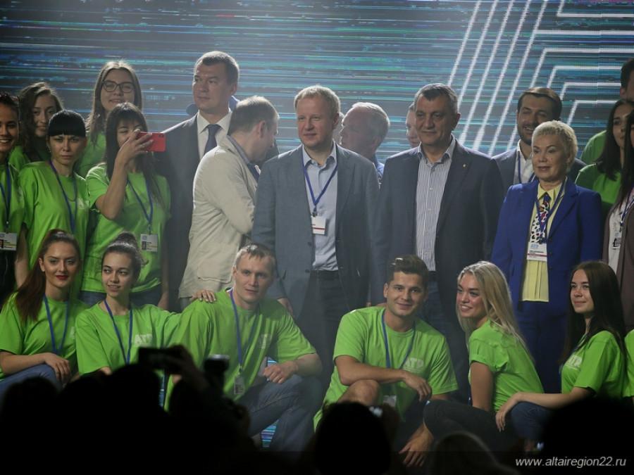 Назначенный Путиным губернатор Хабаровского края ранее присматривался к Алтайскому