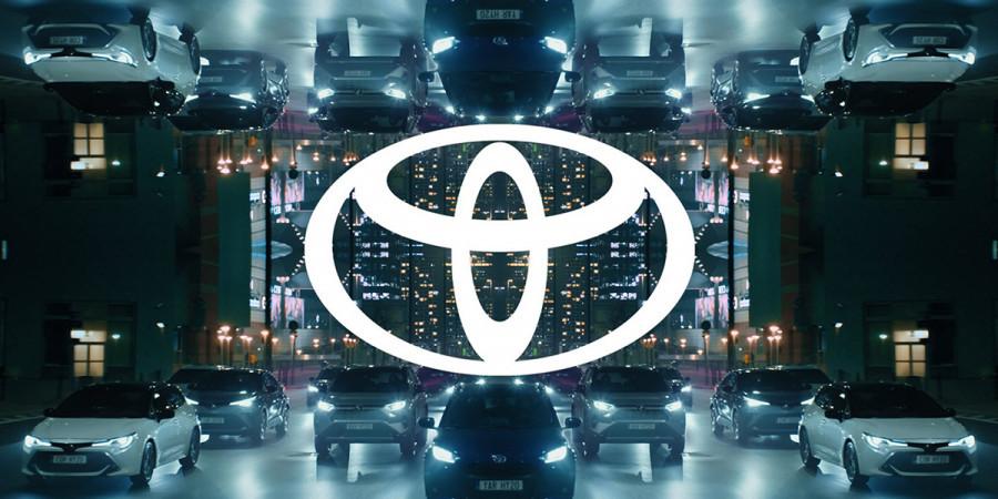 Обновленный логотип Toyota.