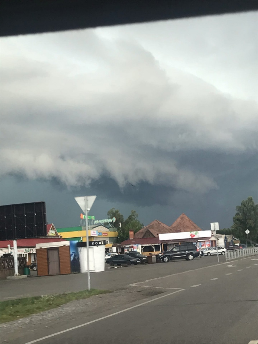Ураган наступает на Сростки.