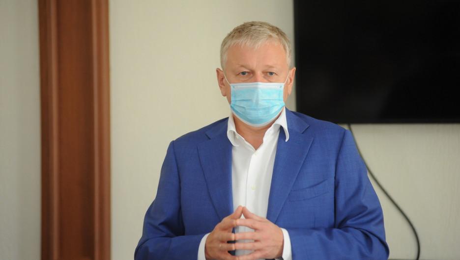 Первое заседание Совета Общественной палаты Алтайского края во главе с Юрием Шамковым.