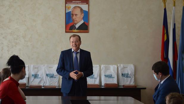 Депутат советует скандальному главе района Барнаула покинуть пост