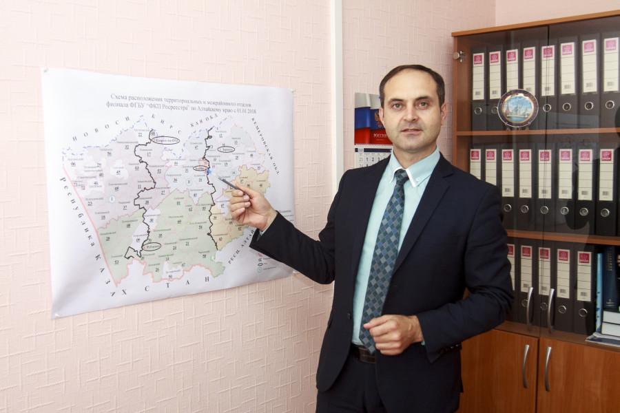 Замдиректора региональной кадастровой палаты Игорь Штайнепрайс.