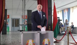 Александр Лукашенко на выборах президента.