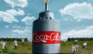 Блогер из Рубцовска устроил фонтан из 10 тысяч литров Coca-Cola.