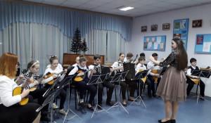 Обучение детей игре на народных музыкальных инструментах.