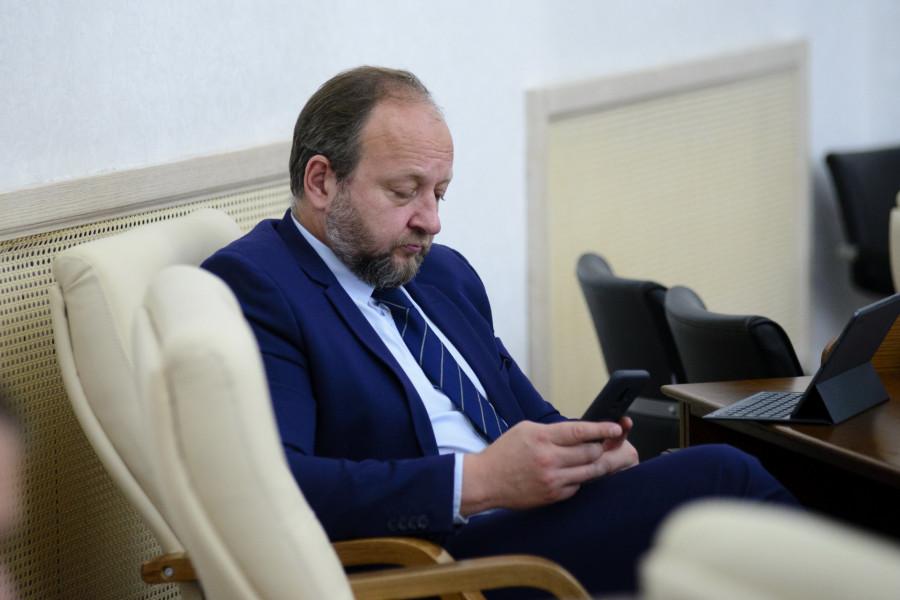 Стало известно, от кого и как получал взятки экс-министр транспорта Алтайского края
