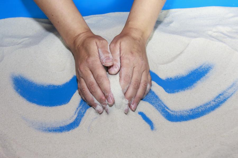 Песочная терапия в барнаульском Кризисном центре для женщин.