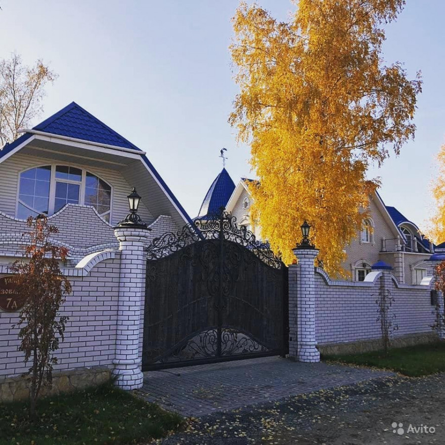 Коттедж-замок в Индустриальном районе Барнаула