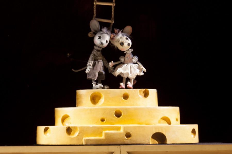 """Премьера спектакля """"Все мыши любят сыр""""."""