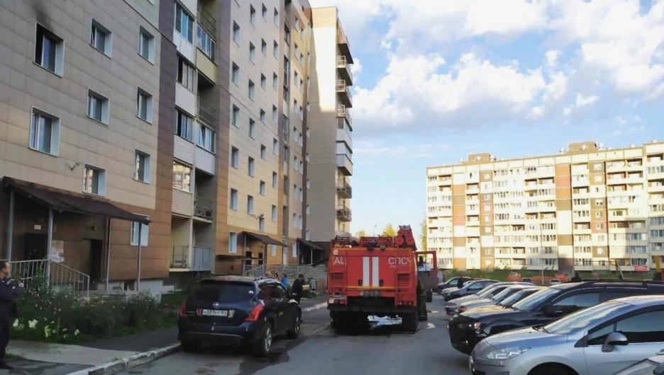Дом в Новосибирске на ул. Мясникова. Здесь произошел пожар.