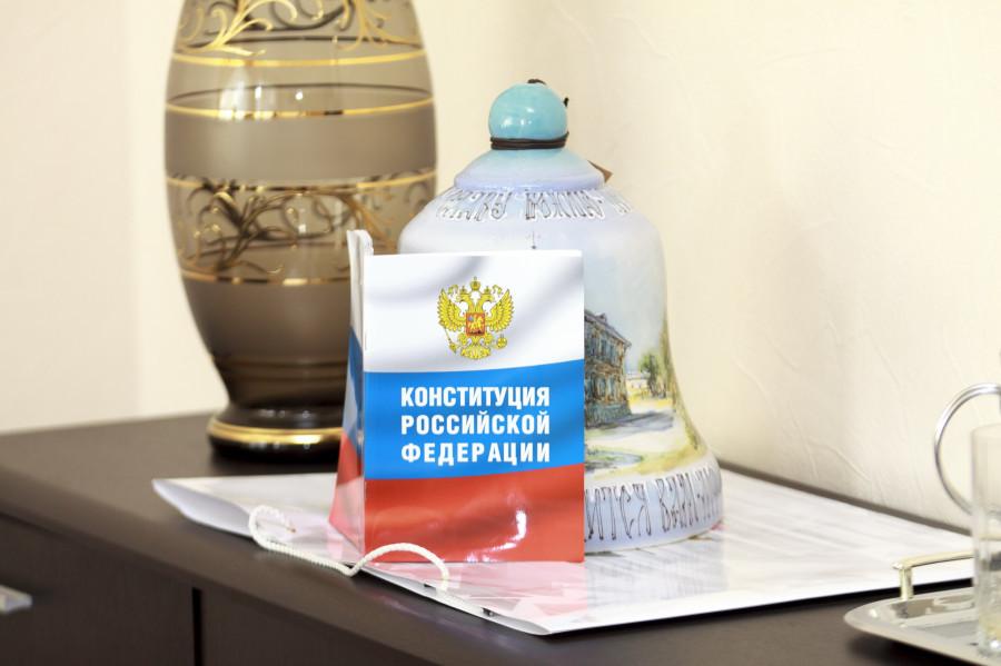 В кабинете Сергея Шумова