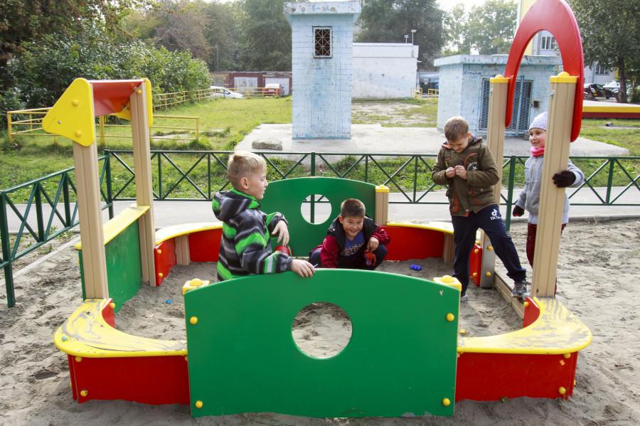 Благоустройство дворов в Барнауле по нацпроекту «Жилье и городская среда».