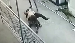 Потасовка с охранником в Новоалтайске.