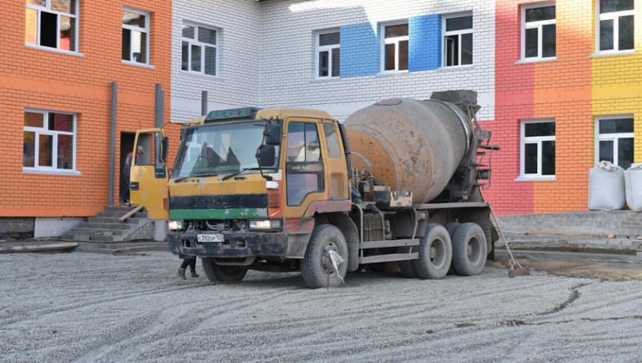 Строительство детского сада на ул. Ускова, 38 (октябрь 2019 года).