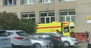 Школьник упал со второго этажа.