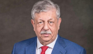 """Ведущий """"Столото"""" Михаил Борисов."""