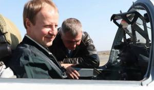 Виктор Томенко в истребителе МиГ-29.