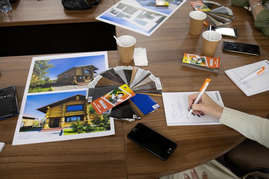 Тенденции в остеклении и отделке фасадов обсудили на круглом столе.