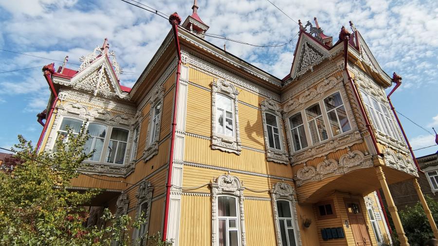 Дом с жар-птицами в Томске.