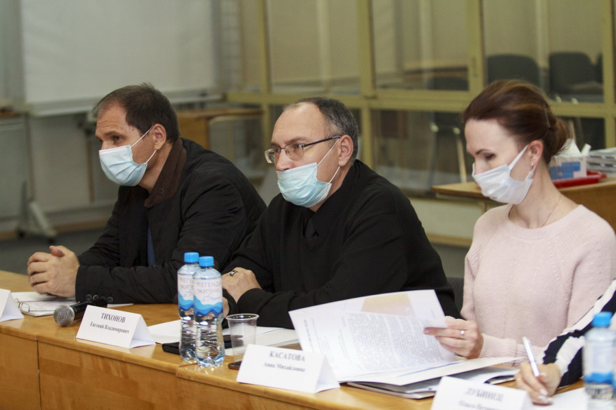 Круглый стол по вопросам внесения изменений в ППЗ и генплан Барнаула.