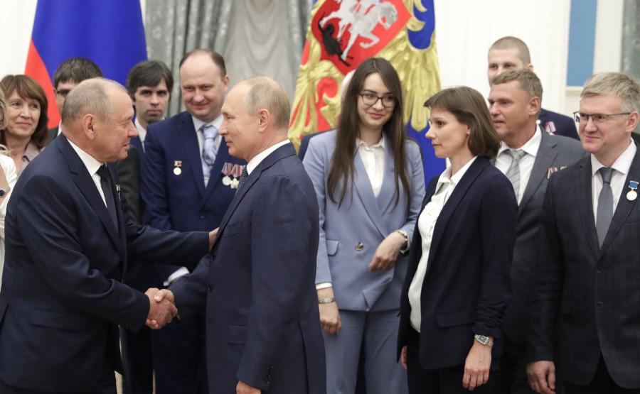 Работники атомной отрасли на встрече с президентом.