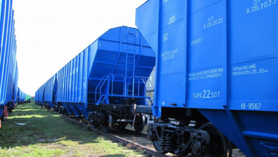 Новые вагоны-зерновозы.