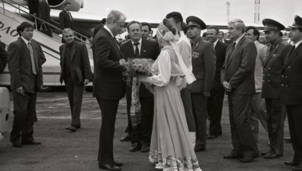 Борис Ельцин в Барнауле.