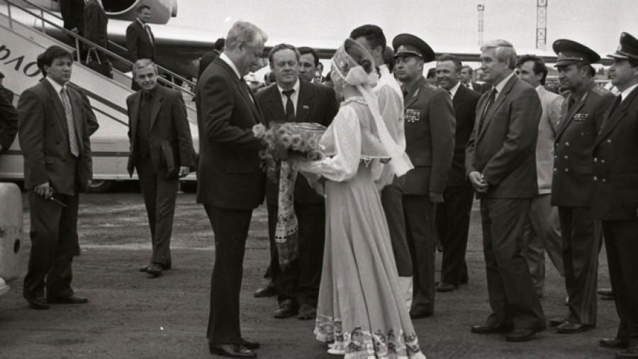Важная бумага-1991. Какие первые решения принимал 30 лет назад Владимир Райфикешт – последний советский начальник Алтая