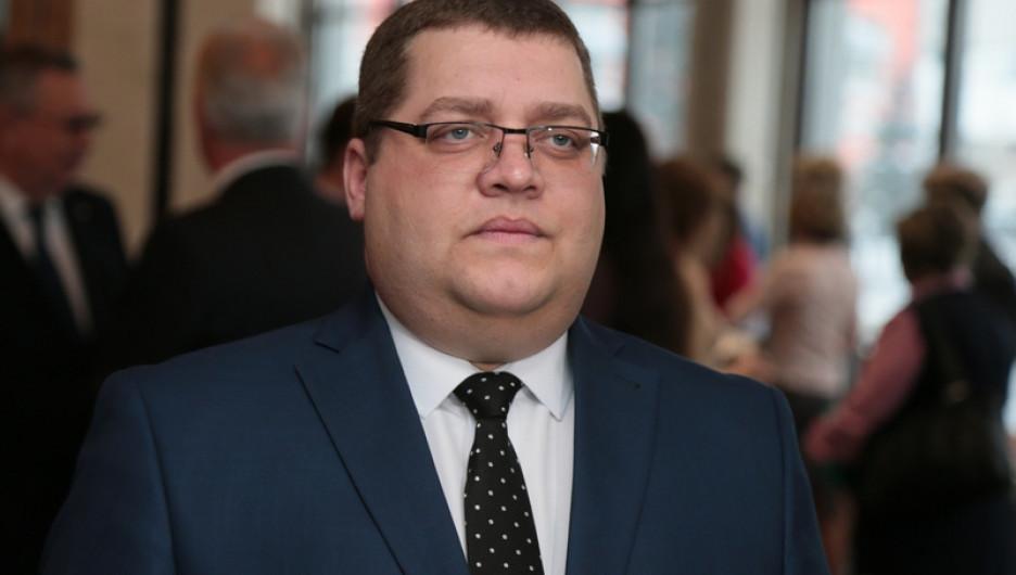 На место оскандалившегося главы Октябрьского района Барнаула посадят нового чиновника