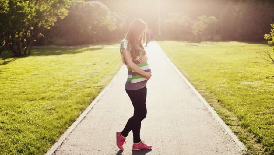 Беременность. Девушка.