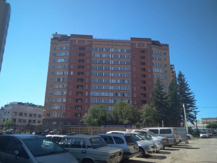 Недостроенный дом на пр. Ленина, 195-а.