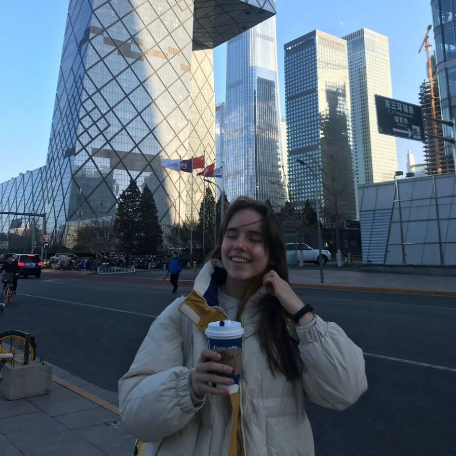 Ксения Малахова в Китае.