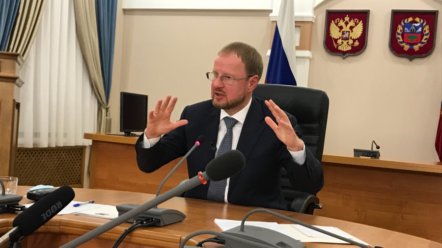 Виктор Томенко объяснил, почему сегодня не намерен отправить в отставку главу минздрава