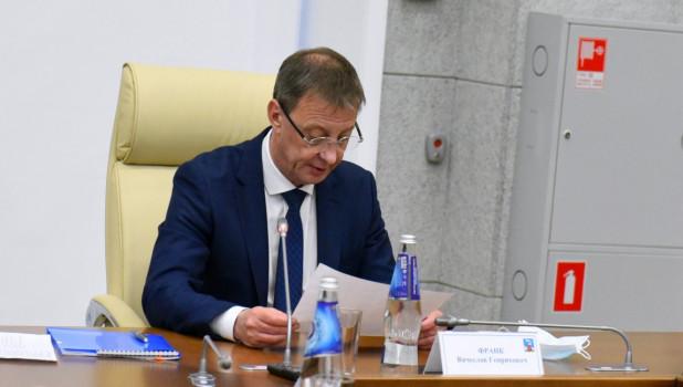 Мэр Барнаула Франк набрал 40 советников