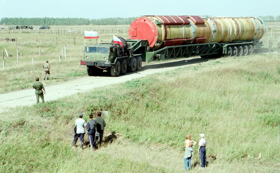 Взрыв ракетной шахты в Алейске 2 ноября 2000 года. Здесь находилась на боевом дежурстве самая тяжелая в мире баллистическая ракета РС-20.