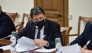 «Единая Россия» в АКЗС инициировала поправки в региональные законы, которые позволят снизить налоговую нагрузку.