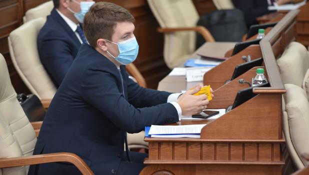 Стало известно, кто возглавил правовой комитет алтайского парламента вместо Осипова