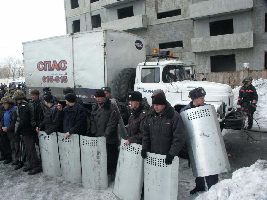 """Как обманывали дольщиков """"Барнаулстроя""""."""