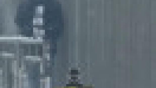 Узкий проход на пр. Строителей в Барнауле.