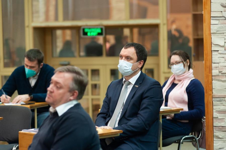 """На базе ИД """"Алтапресс"""" прошла пресс-конференция, где обсудили нападки компании """"Холидей Маркетинг"""" на производителей Сибири."""