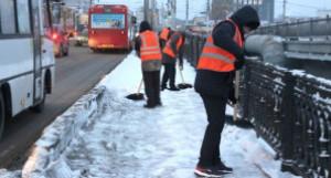 Уборка снега, дорожное хозяйство Барнаула.