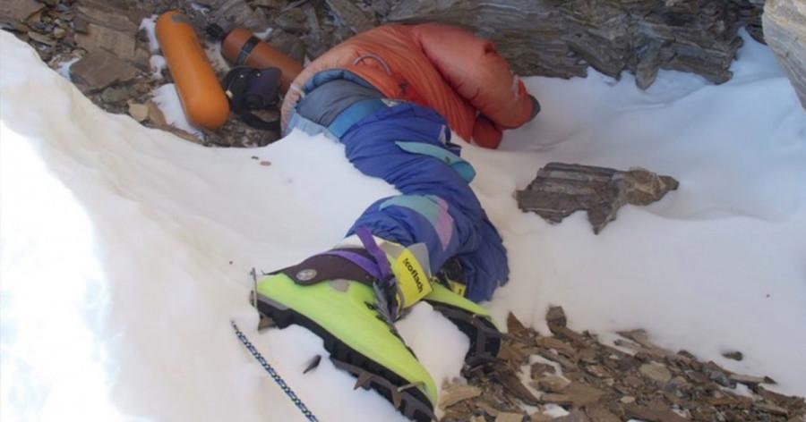 Альпинизм. Замерзший альпинист