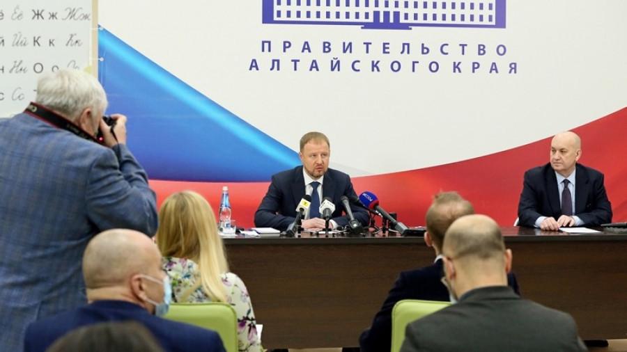 Виктор Томенко рассказал, как работает без двух министров и когда закроет все вакансии