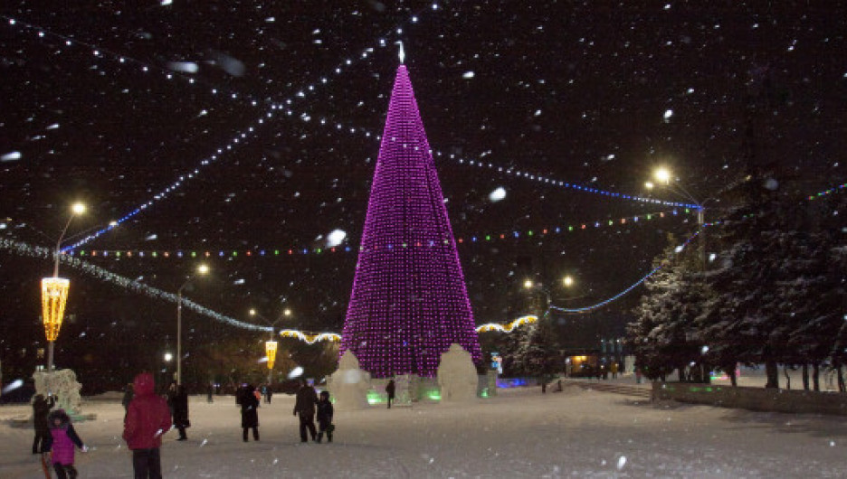 Площадь Сахарова перед Новым годом. Декабрь 2020.