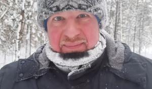 Губернатор Виктор Томенко катается на лыжах в аномальные морозы