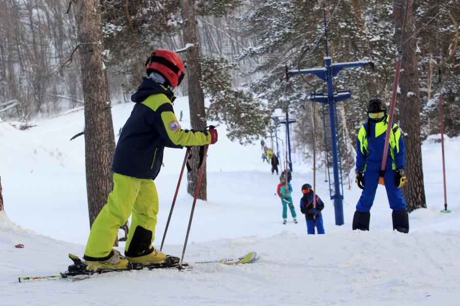 Езда на лыжах и сноубордах в Барнауле.