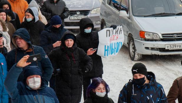 Алтайские власти задумались, как убрать подростков с митингов
